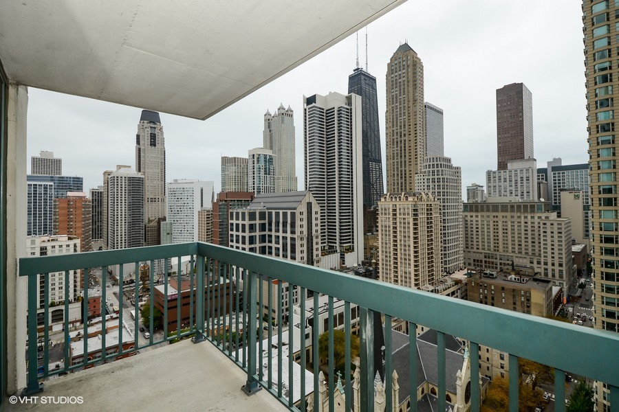 The Finest Corporate Housing with Amazing Downtown Chicago Views